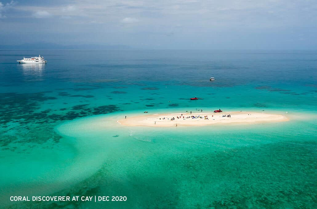 Coral-Discoverer-at-Great-Barrier-Reef-Cay